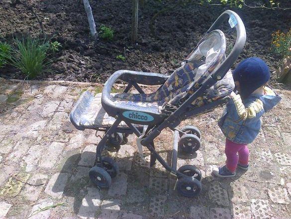 Продавам детска количка Чико