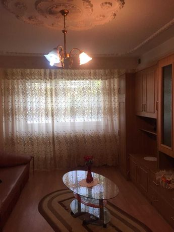 Vand apartament 2 camere decomandat zona Energiei.