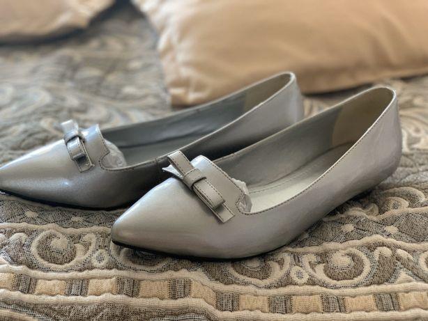 Балетки/Туфли серебристого цвета