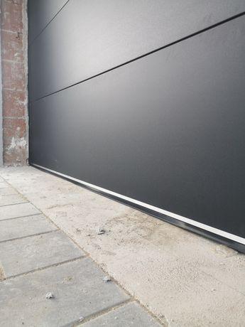 Ușă de garaj secțională