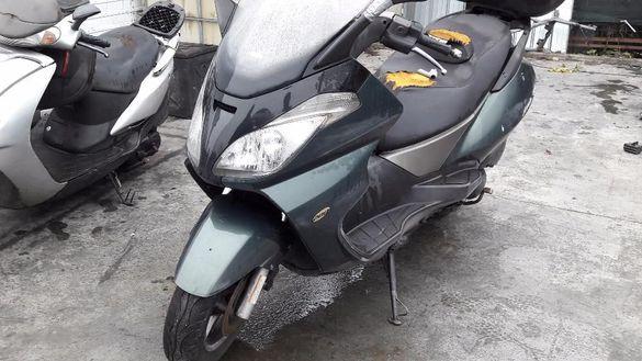 Мотоциклет;скутер априлия Атлантик200 (Atlantik 200 )-НА ЧАСТИ