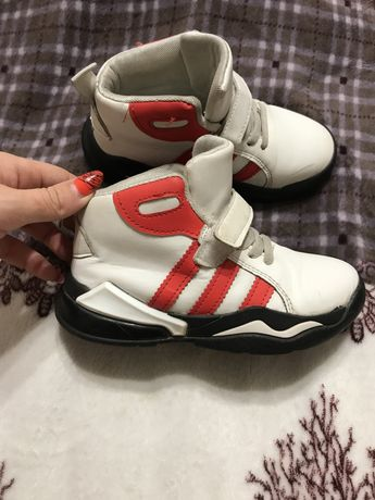 Ботинки детские 30 размер