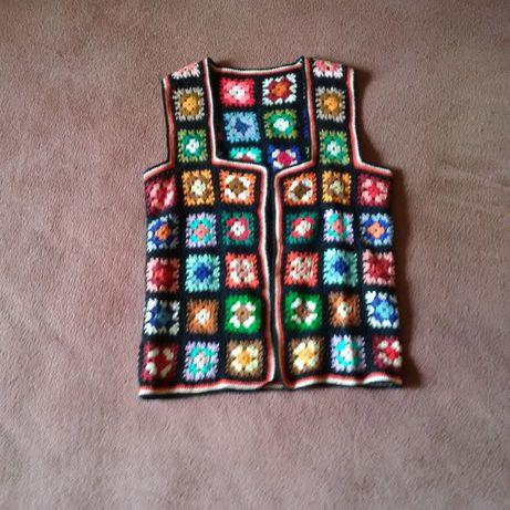 Ръчно -плетена жилетка или елече
