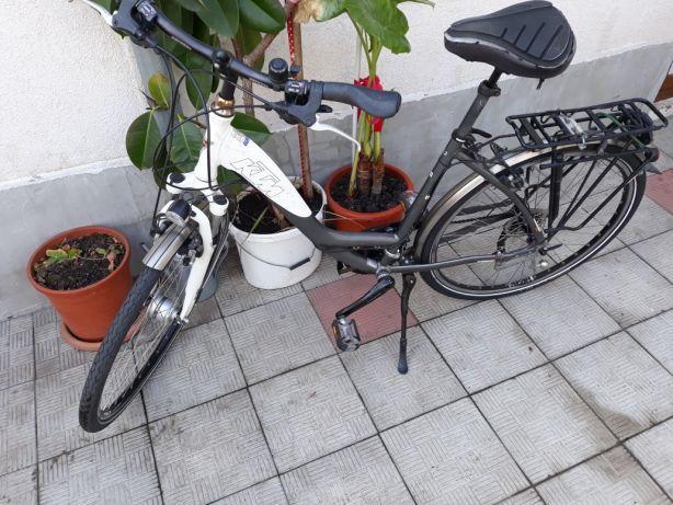 Bicicleta KTM cu SLX
