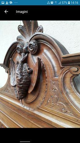 Dulap vintage, vechi sculptat lemn masiv