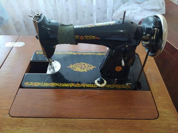 Продам швейную машинку Подольск 2 М