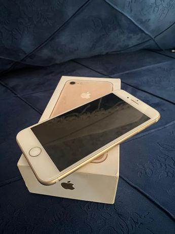 Продам Iphone 7 32Gb Gold