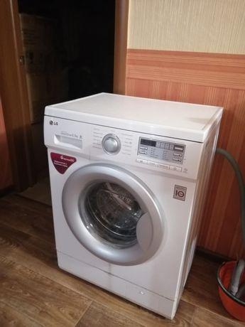 Продаю стиральную машину LG автомат 5.5кг