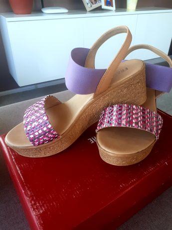 Чисто нови сандали 40 номер