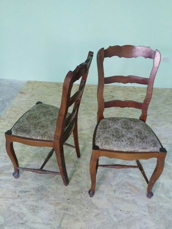Set 4 scaune lemn masiv cu masa de lemn