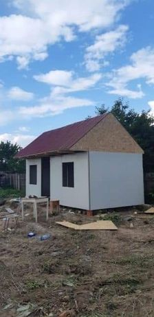 Vând containere 3x3 5x6