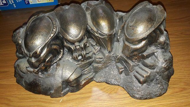 Statuetă Predators