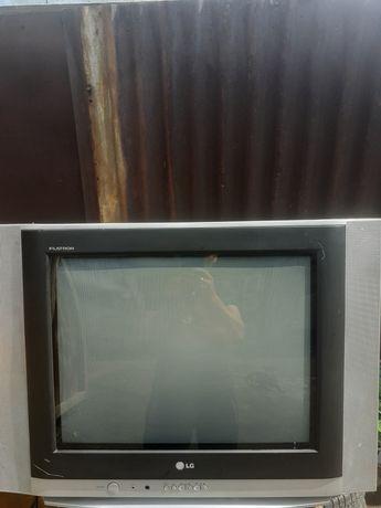 продам телевизор LG в хорошем состоянии.