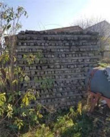 Avem spalieri din beton de vie şi garduri