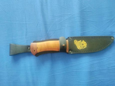 Продавам супер нож сьс златни набивки