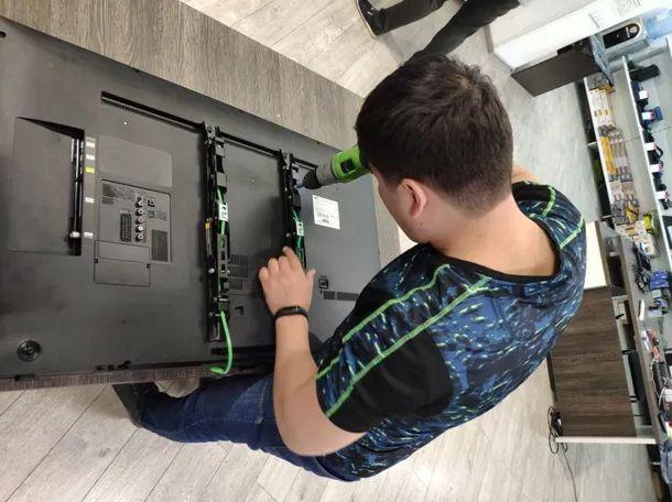 Мастер по ремонту телевизоров на дом. Ремонт за 1 день с гарантией.