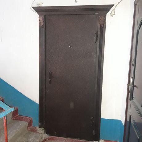 Наружные двери продаются