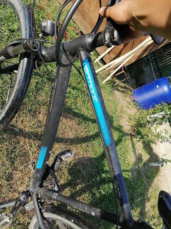 Vând bicicletă de 28