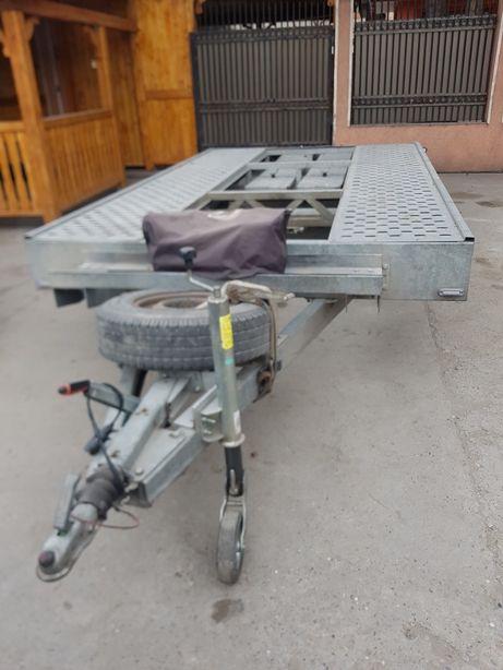 Transport auto cu platforma