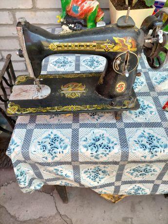 Продам SINGER швейную машинку