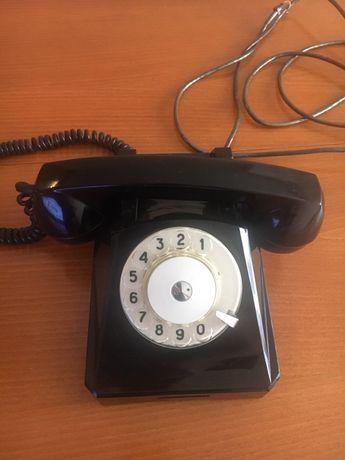 Продавам 2 бр. стационарни телефони