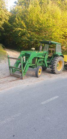 Vansd sau schimb Tractor JhonDeer cu incarcator