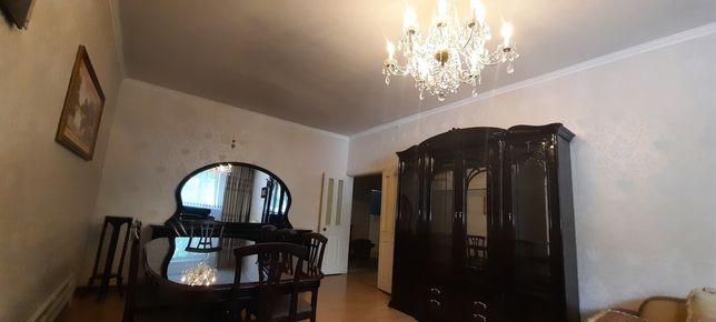 Гостиная для зала,  хрустальная люстра Чехия
