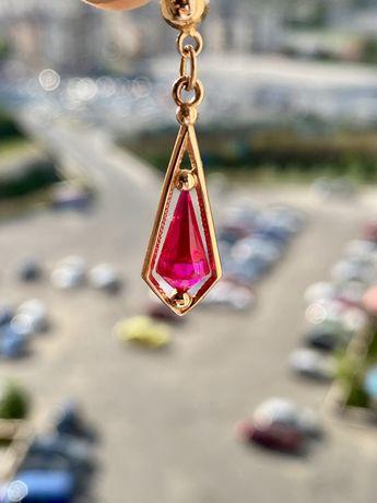 Pandantiv aur roz rusesc cu rubin