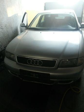 Audi A4 b5 dezmembrez ori ce piesă este din1997  90 cai