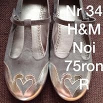 Pantofi pt fetite /H & M-uk nr 35(2 uk),noi