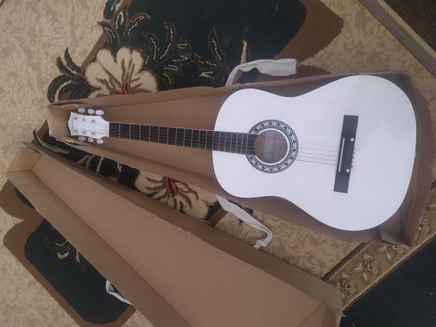 Продаётся новая гитара