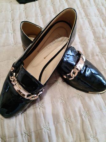 Обувки лак  40номер