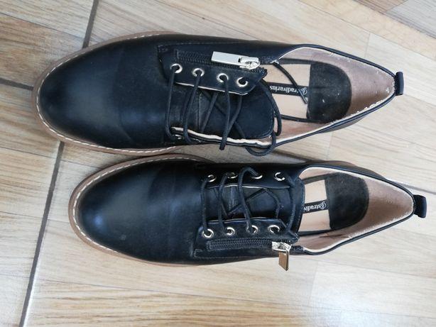Pantofi negri stradivarius