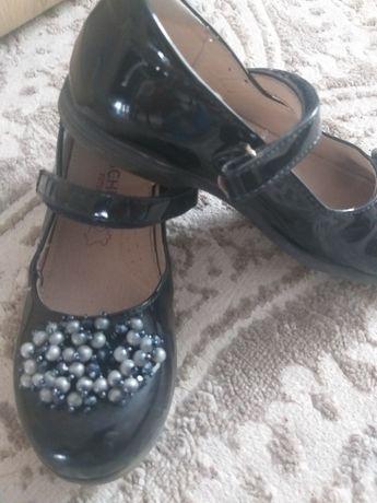 классические туфельки на девочку