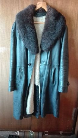 две кожени якета