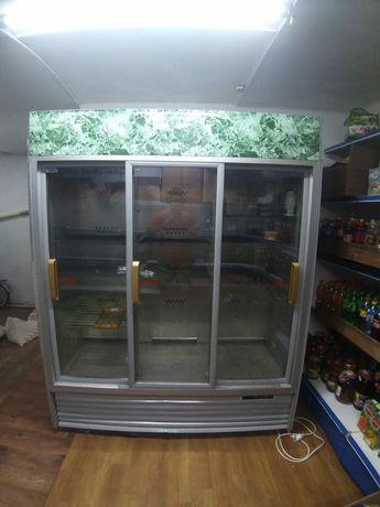 Витринный холодильник, холодильный шкаф