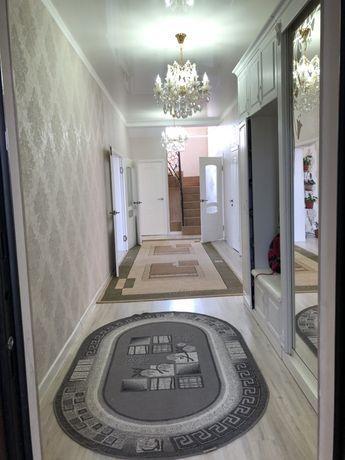 Продается дом + общежитие