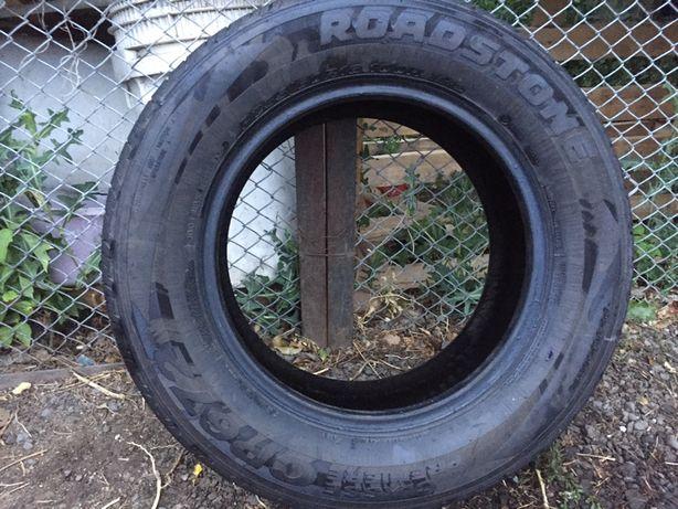 Продам летние шины Roadstone 235/60/16