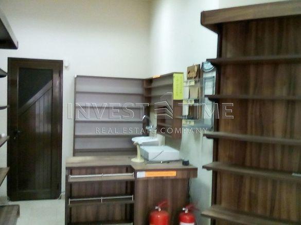 Продава Магазин в район Конфуто
