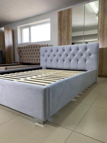 Кровать двуспальная, скидка, мягкая