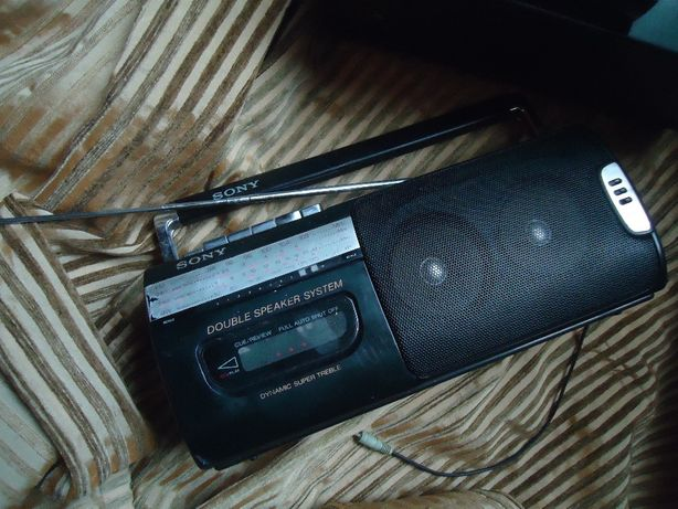 Магнитофон Sony -стерео -рабочий -Оригинал -Япония .