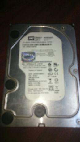 Vând hard disk..