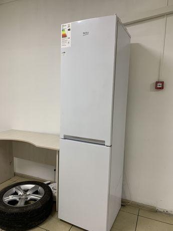 Холодильник Beko, белый