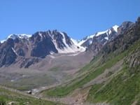 От Алматы до Талгара у подножия горного пастбища 3 га.