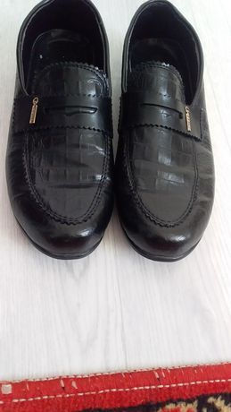 Лакировонный туфли 38-размер