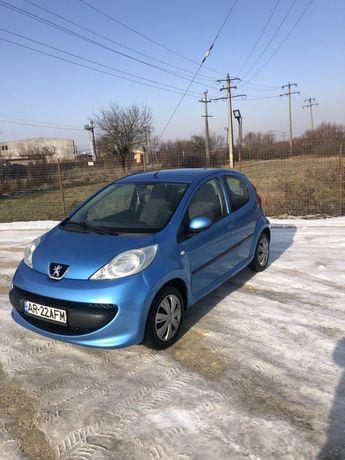 Vând Peugeot 107