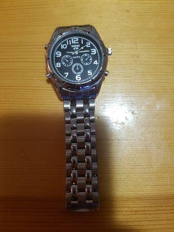 Часовник stainless steel back