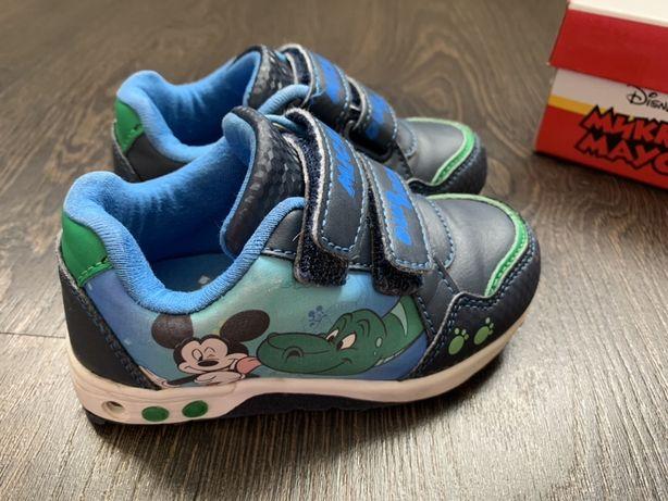 Продам детские кроссовки Disney Mickey Mouse