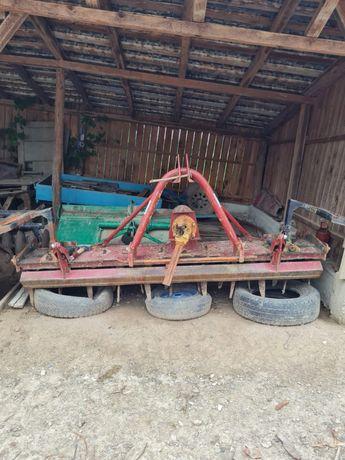 Vand freza pentru tractor