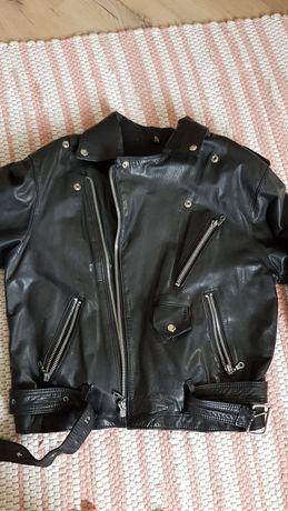 Дамско, рокерско яке от естествена кожа.